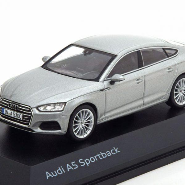 Audi A5 Sportback 2017 Zilver 1-43 Spark