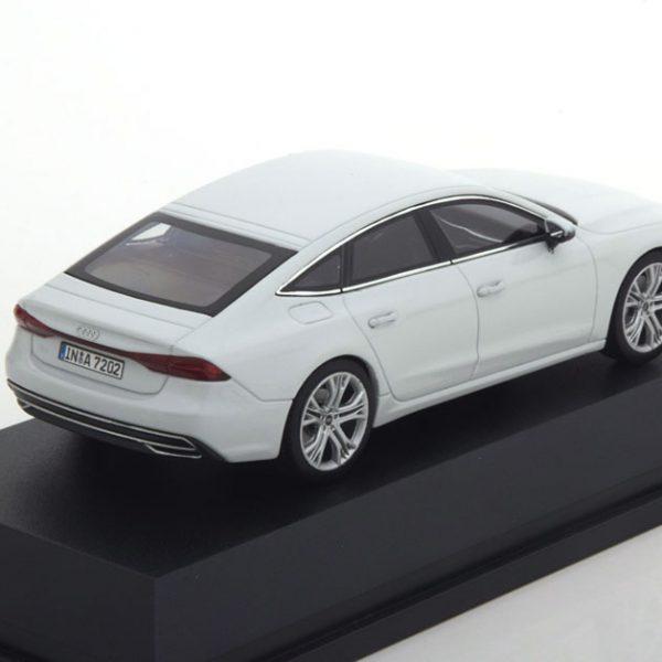Audi A7 Sportback 2017 Wit Metallic 1-43 Iscale