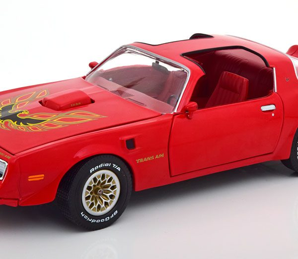 Pontiac Firebird Trans Am 1977 Rood 1-18 Ertl Autoworld Limited 1002 Pieces