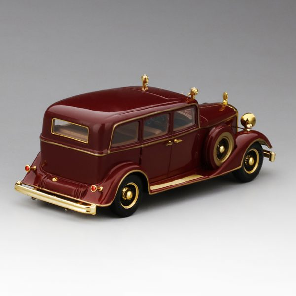 "Cadillac Deluxe Tudor Limousine 8C 1932 ""The Last Emperor of China"" 1-43 Bordeauxrood True Scale Miniatures"