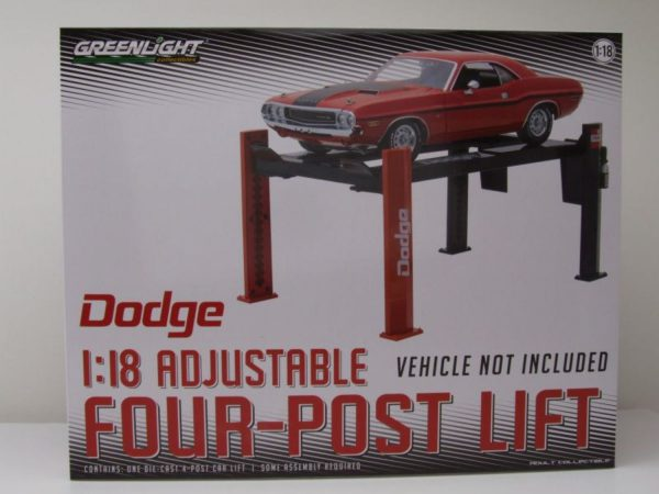 Adjustable Four-Post Lift Dodge 1-18 Greenlight Collecitbles