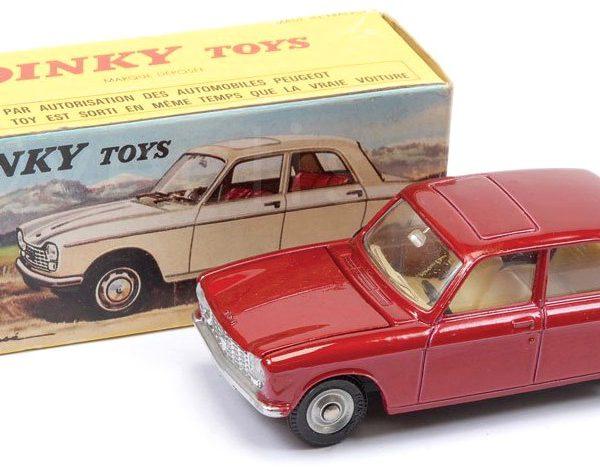 Peugeot 204 Berline Rood Metallic 1-43 Dinky Toys