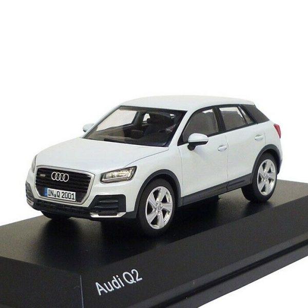 Audi Q2 2018 Glacier White 1-43 Iscale