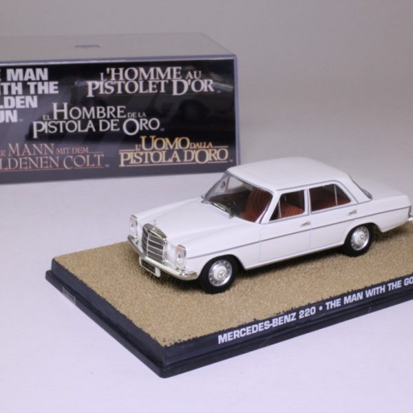 "Mercedes-Benz 220 James Bond ""The Man with the Golden Gun"" 1-43 Altaya James Bond 007 Collection"
