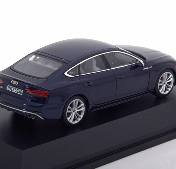 Audi S5 sportback 2017 Navarra Blue 1-43 Jadi Models