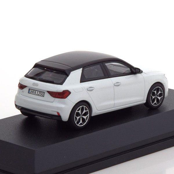 Audi A1 Sportback 2018 Wit Metallic / Zwart 1-43 Iscale