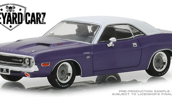 "Dodge Challenger R/T 1970 Paars ""Graveyard Carz"" 1-43 Greenlight Collectibles"