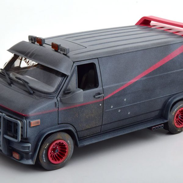 "GMC Vandura Van ""A-Team"" 1983 Dirty Version 1-18 Greenlight Collectibles"