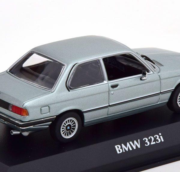 BMW 323i ( E21) 1975 Zilver -Blauw Metallic 1-43 Maxichamps