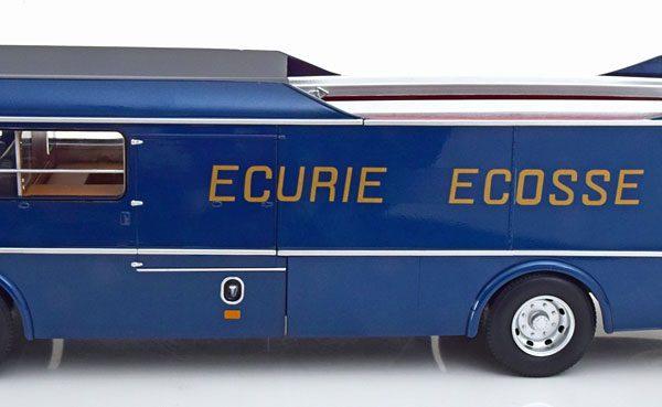 Commer TS3 Teamtransporter Ecurie Ecosse 1959 Blauw 1-18 CMR Models ( Jaguar D-Type zit er niet bij )