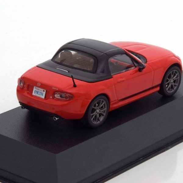Mazda MX-5 2013 Rood 1-43 Triple 9 Collection