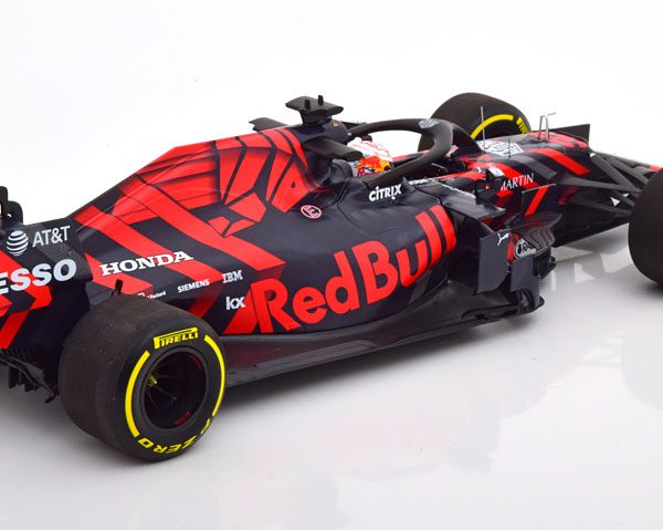 Aston martin red bull racing rb15 max verstappen shakedown livery silverstone 13th february 2019 minichamps 1-18 limited 546 pieces