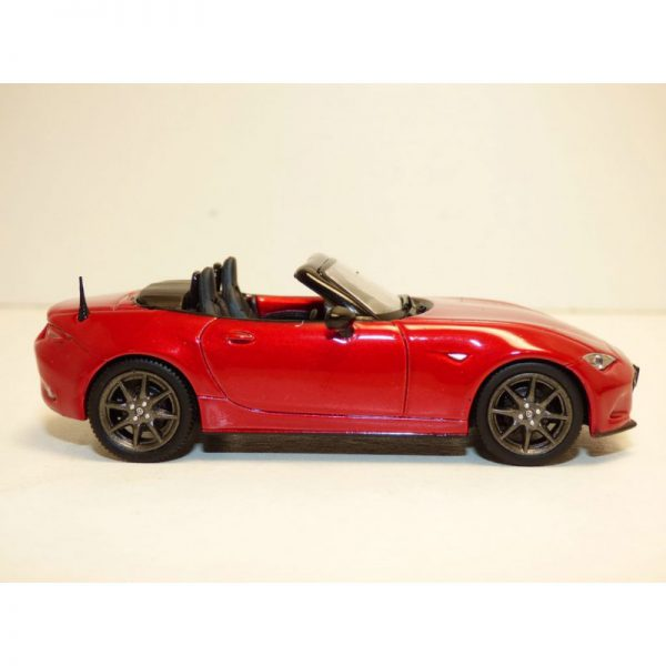 Mazda MX-5 2015 Rood Metallic 1-43 First 43 Models