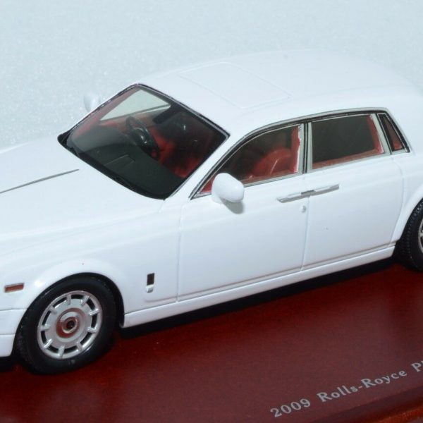 Rolls Royce Phantom 2009 Wit 1-43 True Scale Miniatures