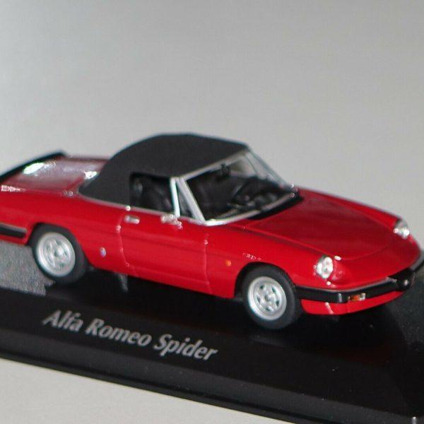 Alfa Romeo Spider 1983 Rood 1-43 Maxichamps