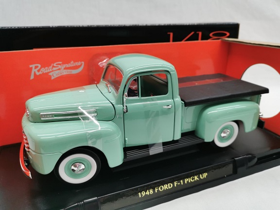 Ford F-1 Pick Up 1948 Lichtgroen 1-18 Lucky Diecast