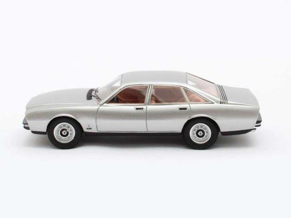 Jaguar XJ 12-PF Pininfarina 1973 1-43 Zilver Metallic Matrix Scale models Limited 408 pcs.