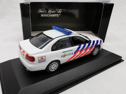 Volvo S40 Limousine 2000 ( Nederlandse Politie Omgebouwd ) 1-43 Minichamps