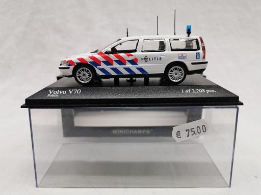 Volvo V70 Break Nederlandse Poltie 1-43 Minichamps Limited 2208 Pieces