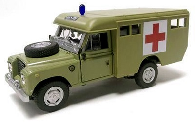 "Land Rover Series III 109 ""Ambulance"" Groen 1-43 Cararama"