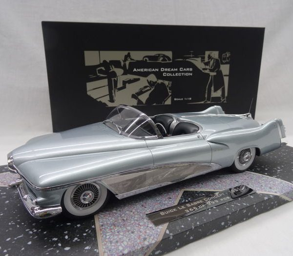 Buick Le Sabre Spider 1951 Blauw 1-18 Minichamps American Dreanm Cars Collection Limited 999 pcs.