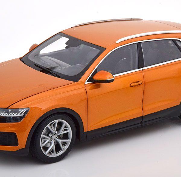Audi Q8 2018 Oranje Metallic 1-18 Norev