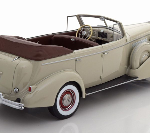 Buick Roadmaster 80-C Four Door Phaeton Cabriolet 1937 Beigebruin 1-18 BOS Models Limited 1000 Pieces