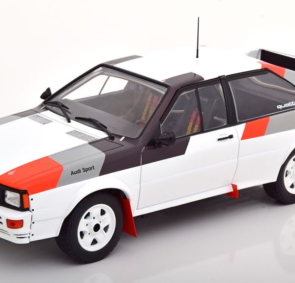 Audi Quattro Group B Rally Car 1982 Wit / Grijs / Zwart 1-18 Ixo Models
