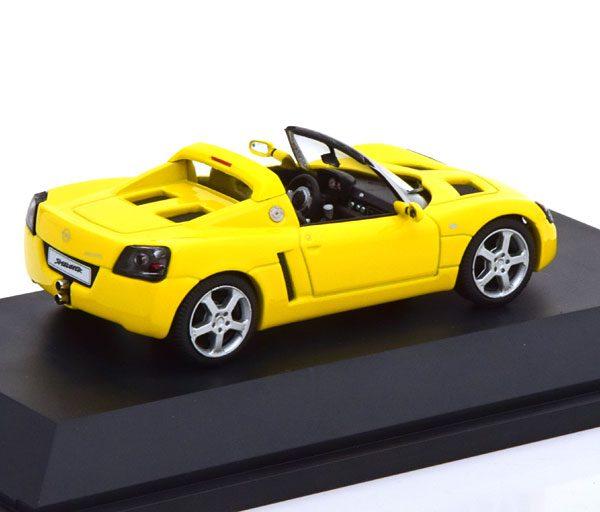 Opel Speedster 2001 Geel 1-43 Schuco ( Dealer )