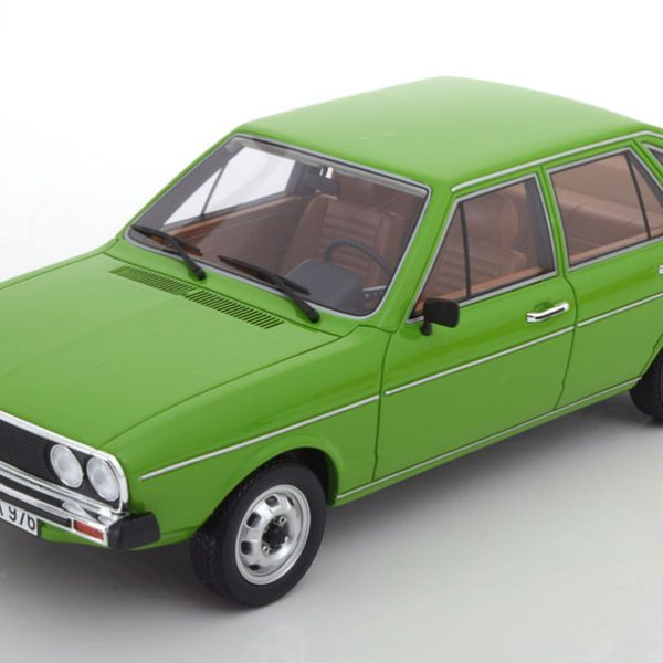 Volkswagen Passat TS ( B1) 1976 Groen 1-18 BOS Models Limited 1000 Pieces