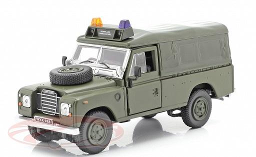 Land Rover Series III 109 Softtop Militair voertuig Groen 1:43 Cararama