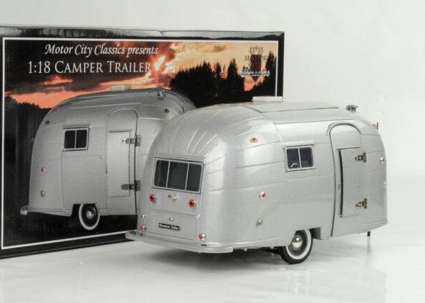 Airstream Camper Trailer 1-18 Motorcity Classics