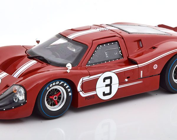 Ford GT40 MK 4 No.3, 24Hrs Le Mans 1967 Andretti/Bianchi 1-18 Shelby Collectibles