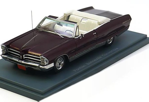 Pontiac Bonneville Convertible 1965 Rood Metallic 1-43 Neo Scale Models