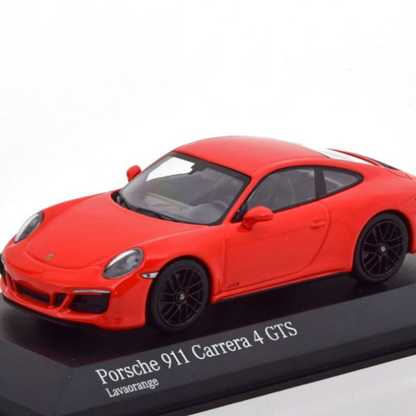 Porsche 911 (991/2) 4 GTS Coupe 2017 Rood 1-43 Minichamps Limited 336 Pieces