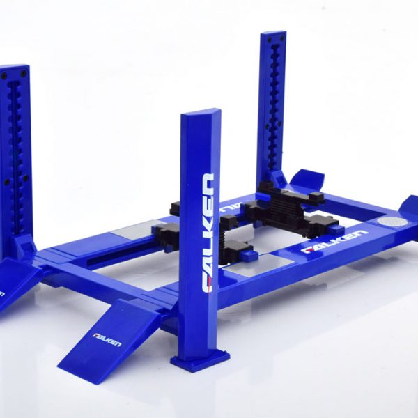 "Adjustable Four-Post Lift ""Falken"" Blue 1-18 Greenlight Collecitbles"