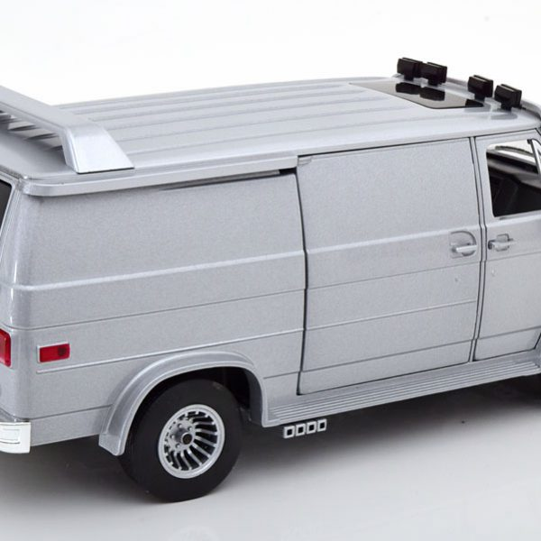 GMC Vandura 1983 Zilver 1-18 Greenlight Collectibles ( Diecast Car )