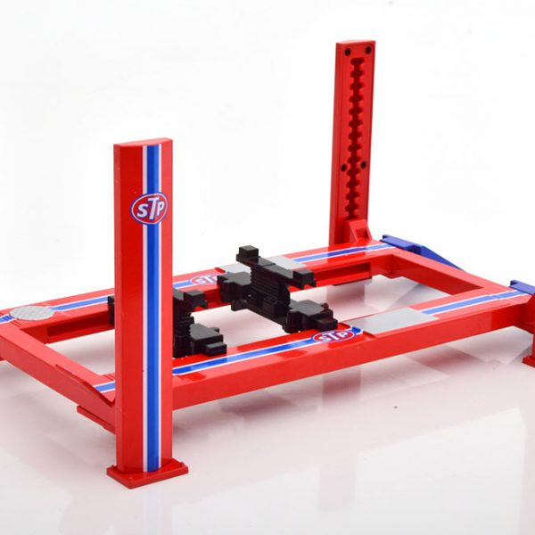 "Adjustable Four-Post Lift ""STP"" Red 1-18 Greenlight Collecitbles"