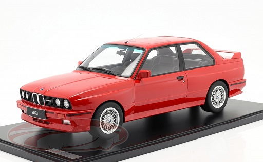 BMW M3 E30 1986-1990 Rood met Vitrine 1-8 GT Spirit Limited 250 Pieces
