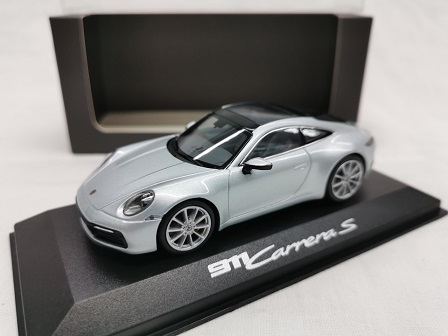 Porsche 911 (992) Carrera S Coupe 2019 Zilver Metallic 1-43 Minichamps ( Dealer )