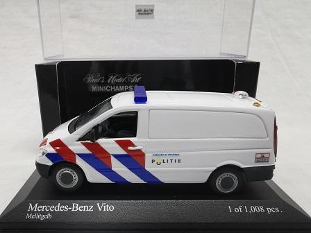 Mercedes-Benz Vito 2003 Nederlandse Politie ( New Striping ) omgebouwd 1-43 Minichamps