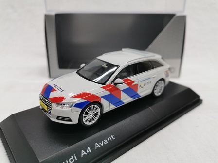 Audi A4 Avant 2016 Nederlandse Politie ( Omgebouwd New Striping ) 1-43 Spark