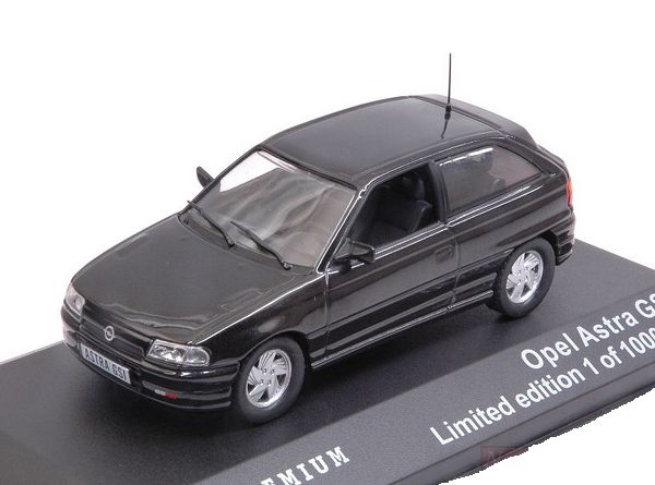 Opel Astra GSI 1992 Zwart 1-43 Triple 9 Collection Limited 1000 Pieces