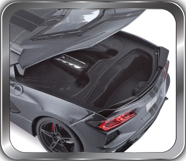 Modellauto18 Chevrolet Corvette C8 Stingray Coupe 2020 grau Maisto 1