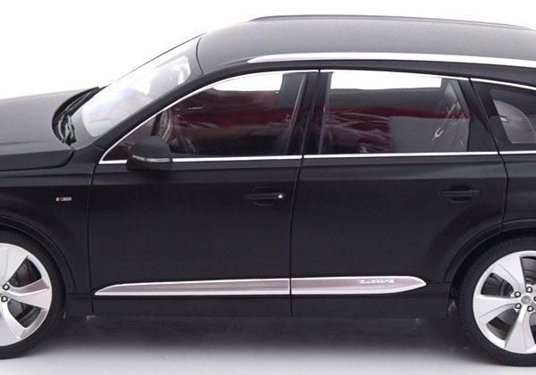 Audi Q7 2015 Matzwart 1-18 Minichamps Limited 300 Pieces