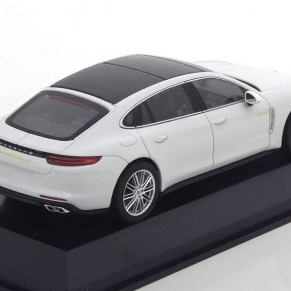 Porsche Panamera (G2) Turbo S e-hybrid Executive 2017 Wit 1-43 Herpa