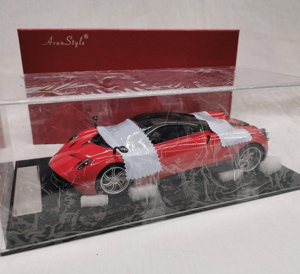 Pagani Huayra Coupe 2016 Rood 1-18 Frontiart Avanstyle Limited 06/498 Pieces