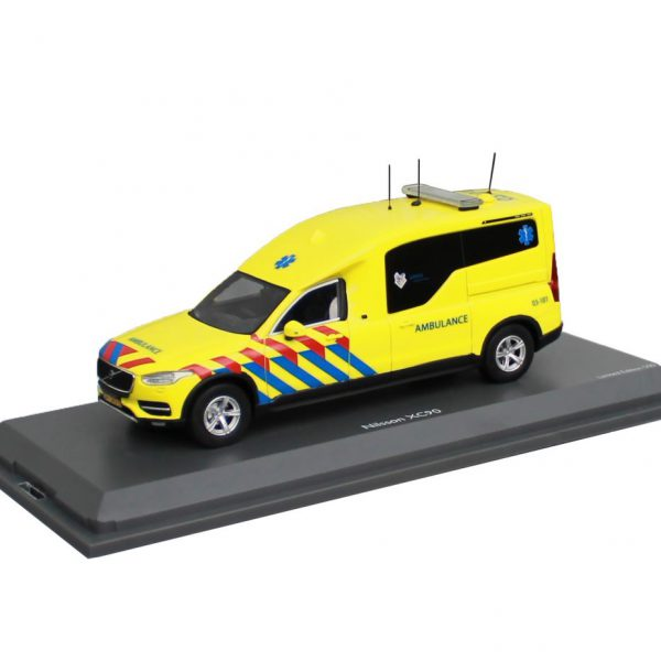 Volvo Nilsson XC90 Ambulance (NL) 1-43 Schuco Pro R Limited 250 Pieces