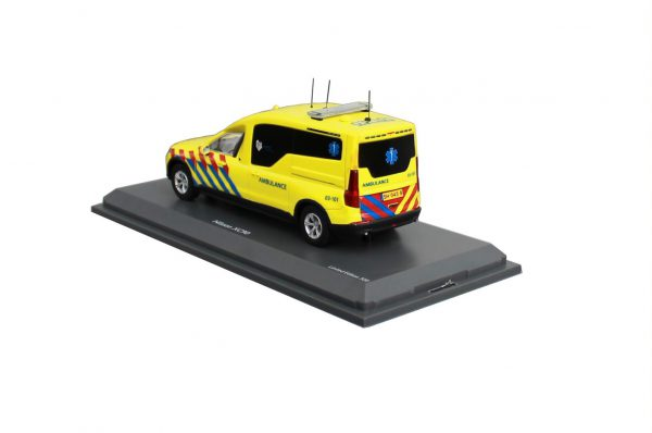 Volvo Nilsson XC90 Ambulance (NL) 1-43 Schuco Pro R Limited 250 Pieces