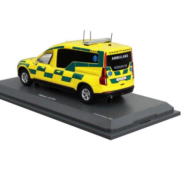 """Volvo Nilsson XC90 Ambulance """"Sweden"""" Geel/Groen 1-43 Schuco Pro R Limited 250 Pieces"""
